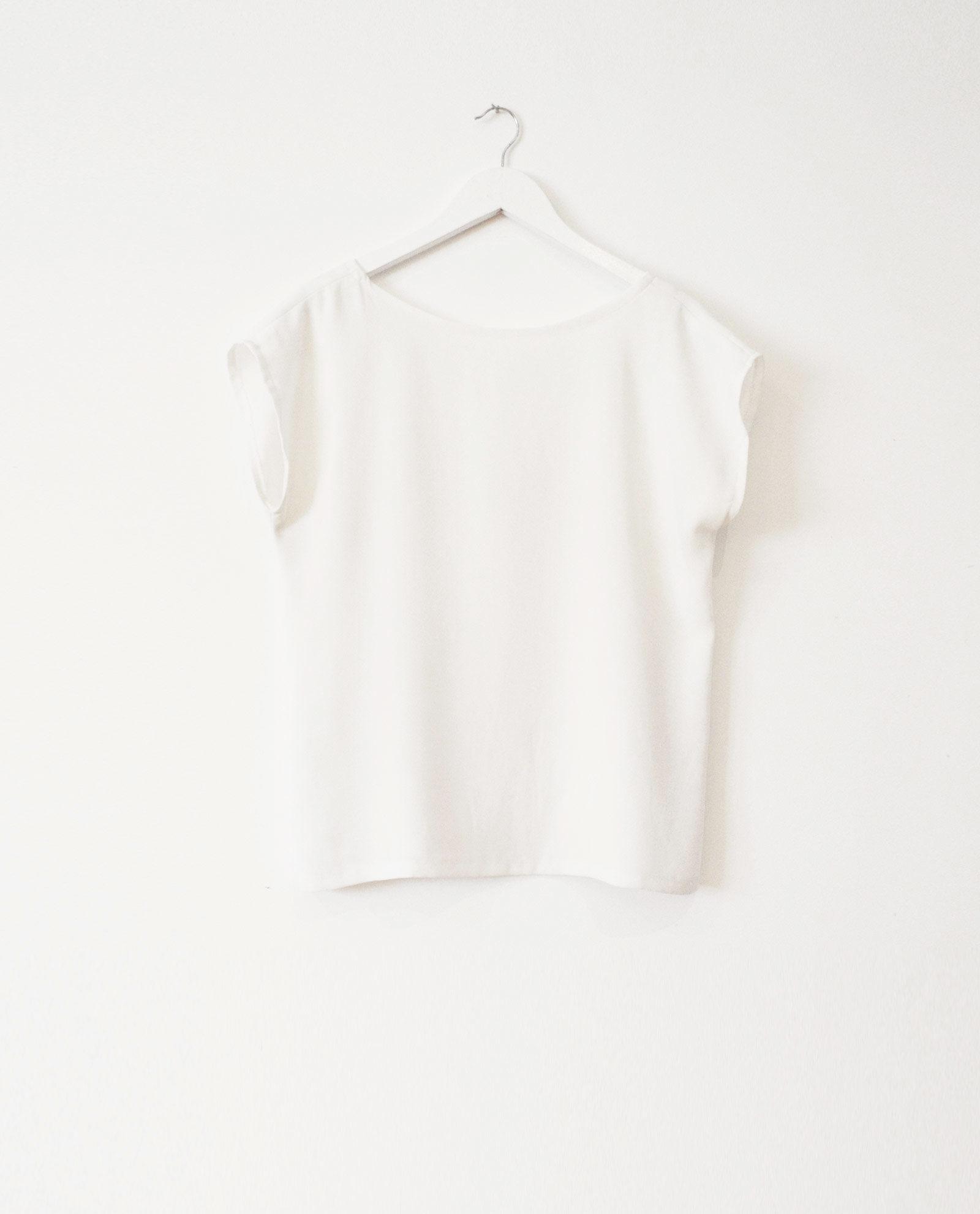 blusa blanca twist garsonetti
