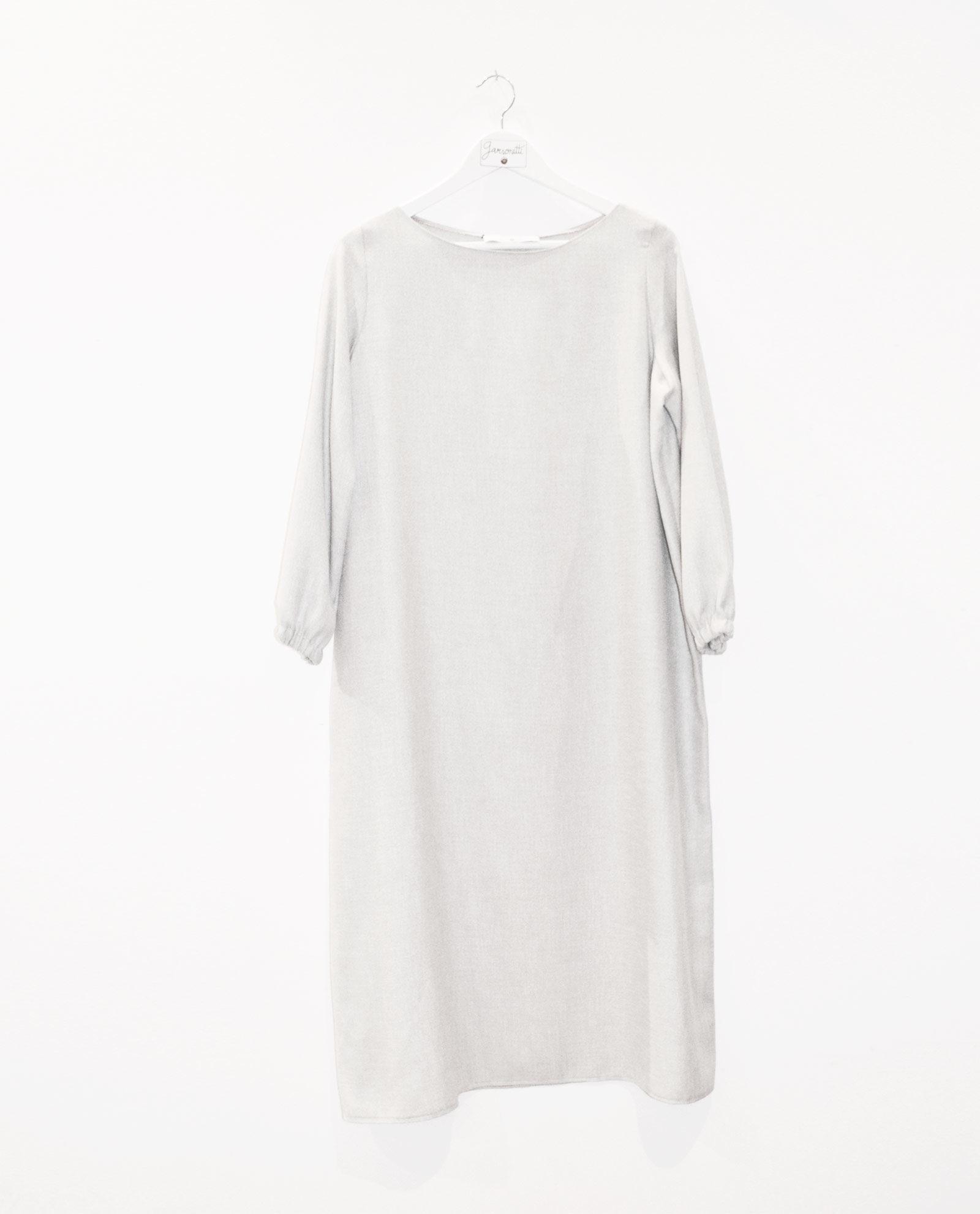 vestido-gris-midi-garsonetti