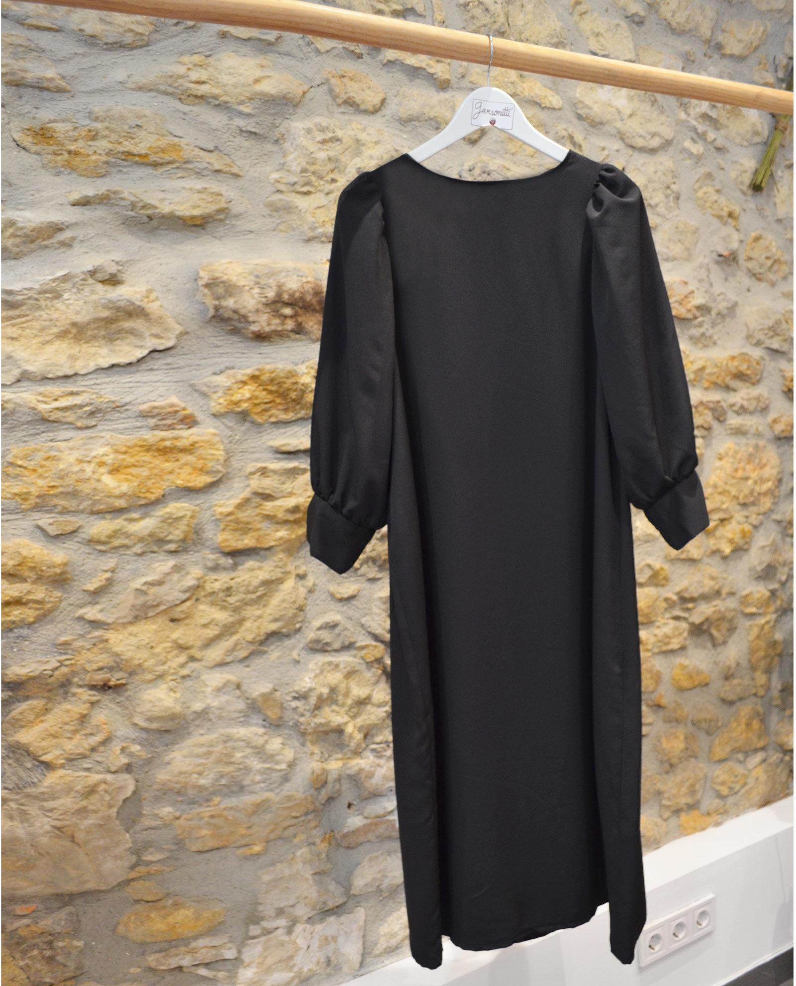 vestido-negro-midi
