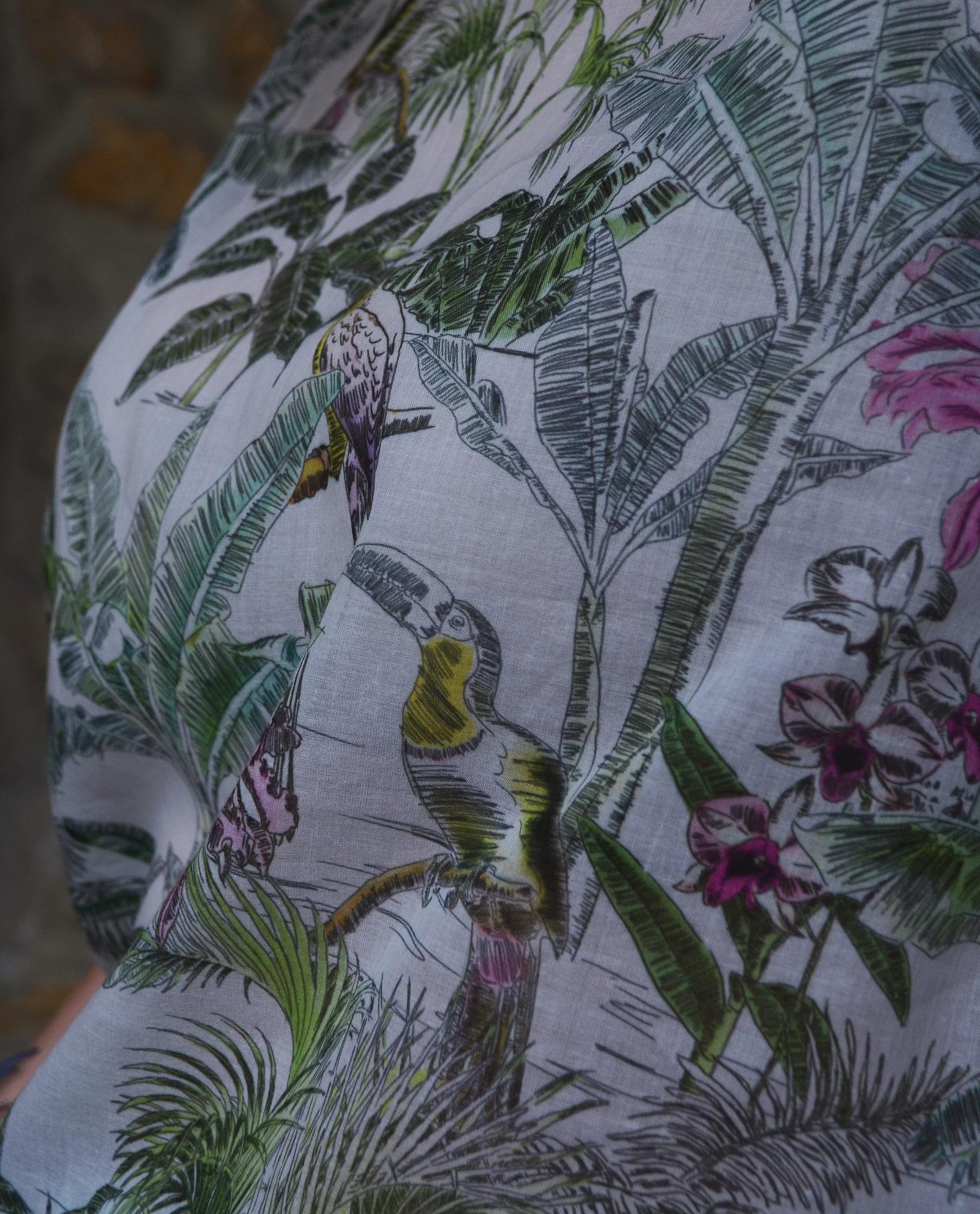 detallle-blusa-tropical